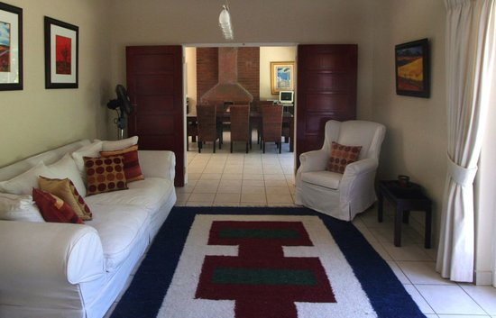 Westville Bed & Breakfast: 9 Haven Lounge & Dining area