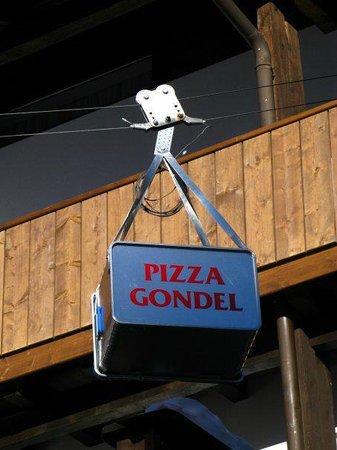 Hotel Tyrol: Pizza Gondel