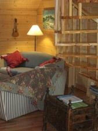 La Ferme du Petit Bonheur: Chambres d'hôte Chambery Savoie France