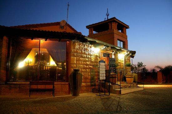 Casa Toscana Lodge: Reception
