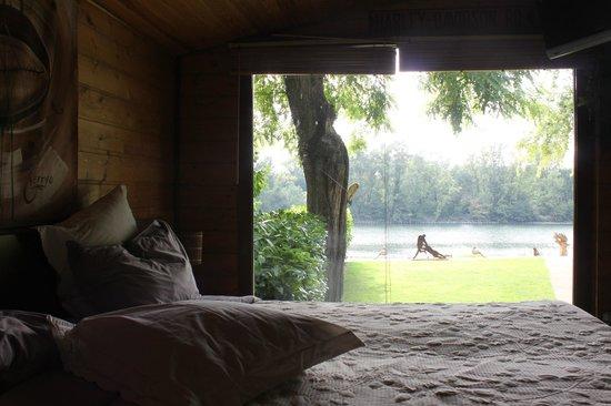 Garonnella: Vue depuis la chambre, imprenable sur la Garonne et intimité garantie
