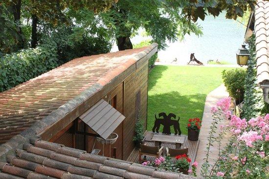 Garonnella: Le bungalow des hôtes, en bois, au charme incomparable