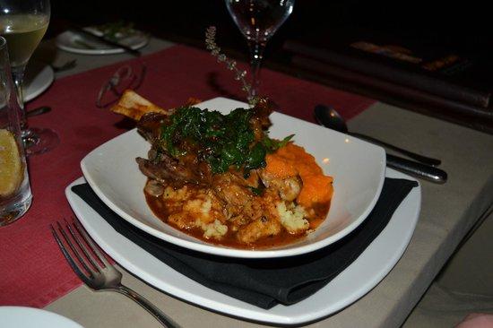 Makuwa-Kuwa Restaurant: Lamb shank