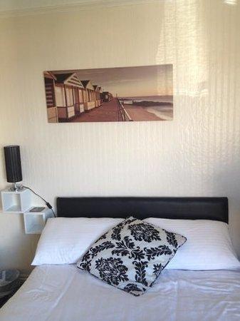 Aquamarine Guest House: Add a caption