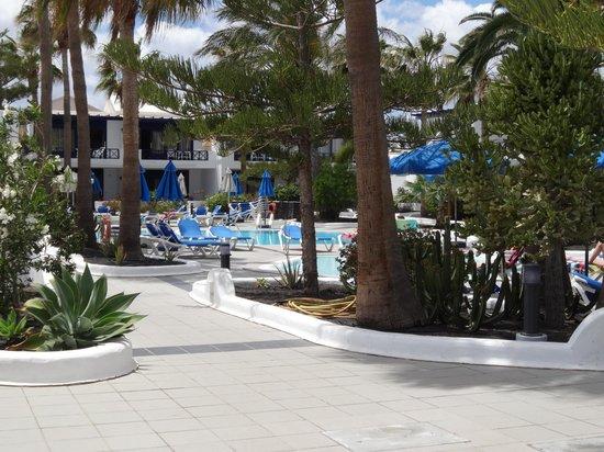 Apartamentos Playa mar: Pool Area