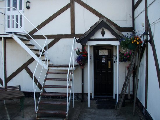 Bramley House Bed & Breakfast: The outside entrance door leading to my bedroom.