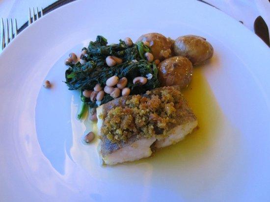 Hotel Lusitano: Fish dish