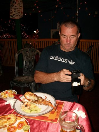 Red Lobster Tours Spa & Restaurant: Resaurant