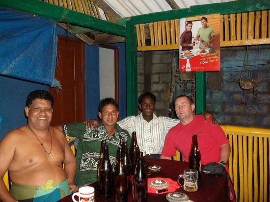 Red Lobster Tours Spa & Restaurant: im restaurant