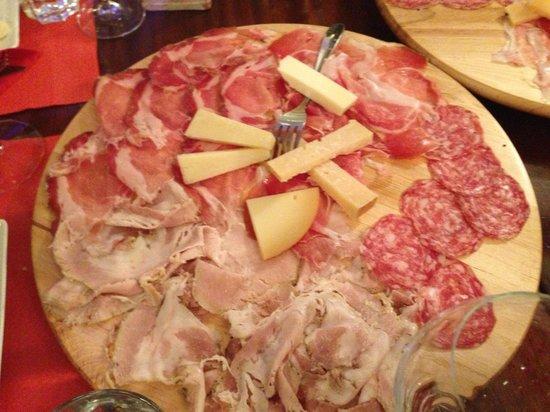 Enoteca dei Tadi : Affettati misti con formaggi vari