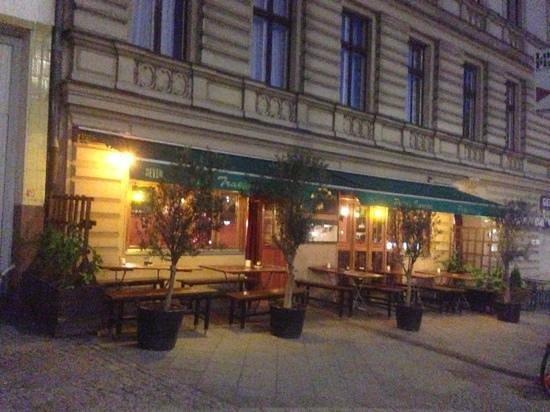 petite europe berlin sch neberg restaurant reviews phone number photos tripadvisor. Black Bedroom Furniture Sets. Home Design Ideas