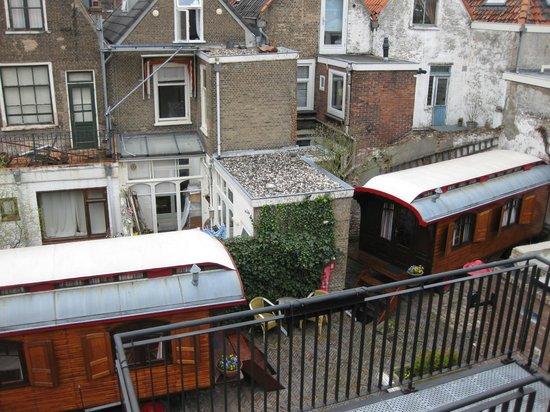 Hotel de Emauspoort: View to backyard