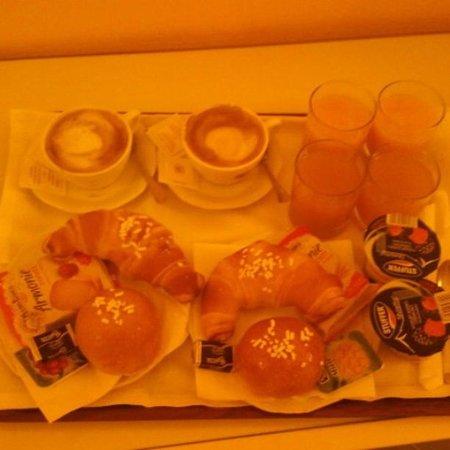 Hotel Iaccarino: colazione in camera