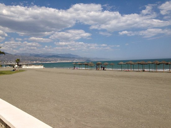 Hotel Mainake: Local Beach Torre Del Mar
