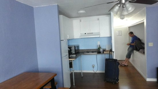 Kitchen Picture Of Polynesian Hostel Beach Club Honolulu