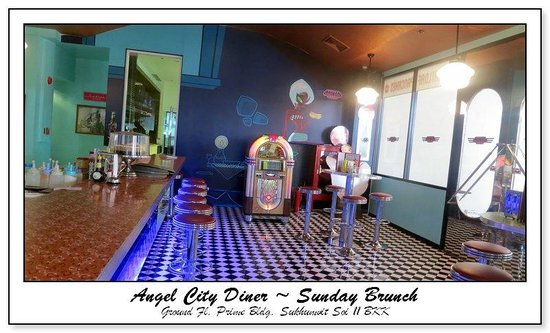 Angel City Diner: the counter, the only place to sit in a diner as far as i am concerned.