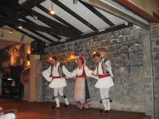 Zafiris Hotel: Greek Night at Saxophone bar