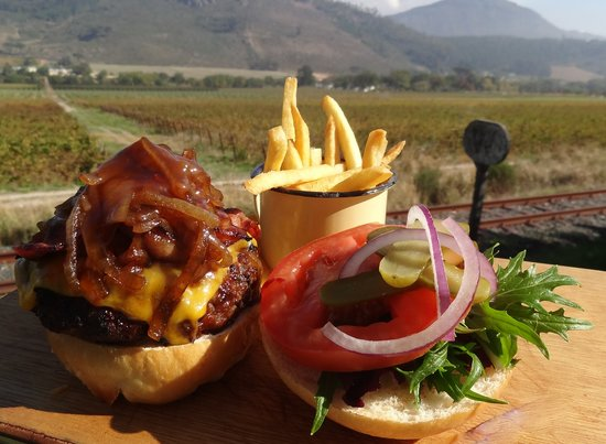 The Stall Cafe: Our delicious burger