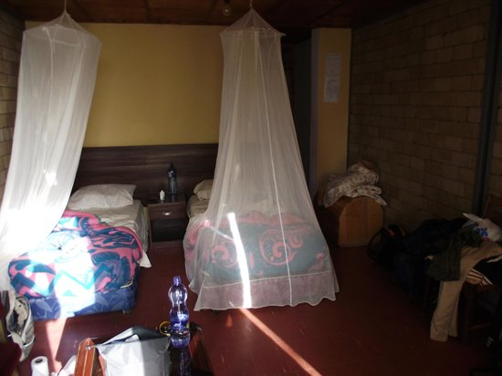 Wabe Shebelle Langano Resort Hotel: Rooms with mosquito nets