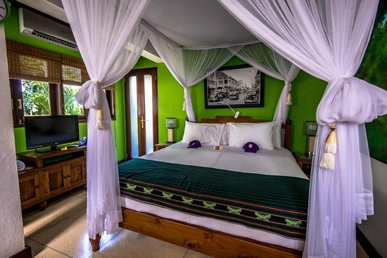 Umah Watu Villas: Picture of Room on ground floor.