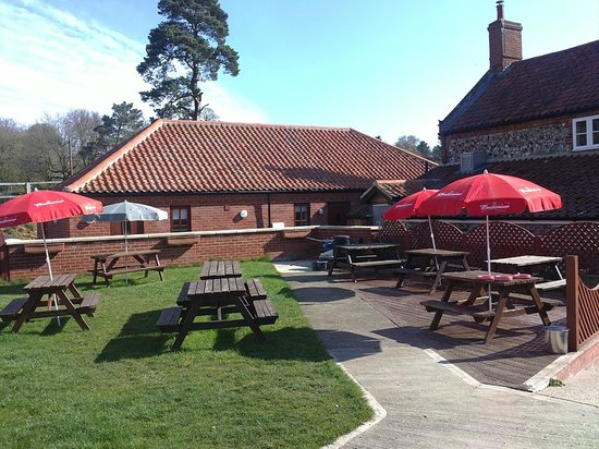 Dog and Partridge: South Facing Beer Garden