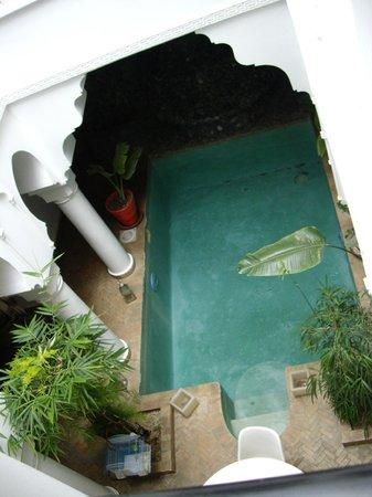 Riad L'Orchidee: il cortile interno visto dal primo piano