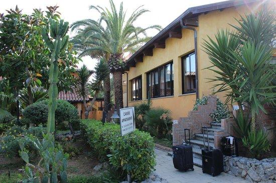 Hotel Villaggio Club Costa degli Dei: Главный Корпус