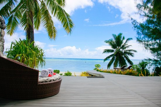 Aitutaki Escape: Beachfront