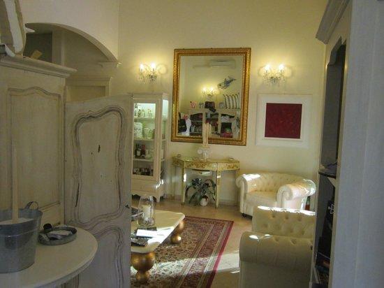 Hotel Viscardo: Dalla Hall d'ingresso