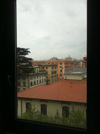 NH Roma Leonardo da Vinci: vista dalla finestra della stanza