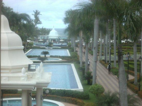 Hotel Riu Palace Punta Cana : nice grounds