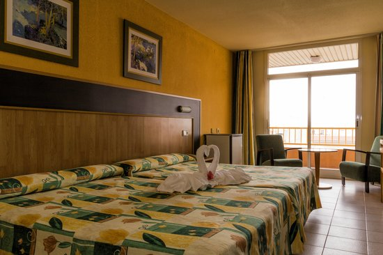 Hotel la Rapita: dormitorio