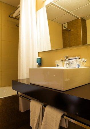 Hotel la Rapita: baño