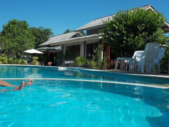 Samui Native Resort and Spa : Pool side