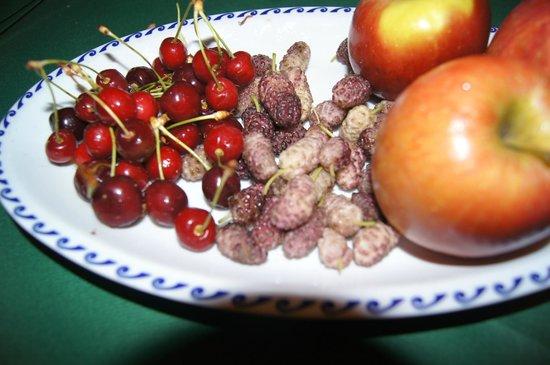 Berries and fruit from Tarantola