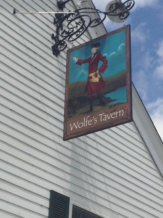 Wolfe's Tavern : The Tavern