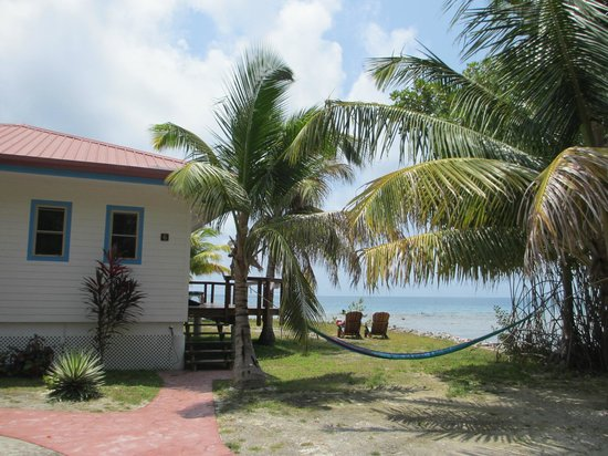 Hatchet Caye Resort: Cabana 6