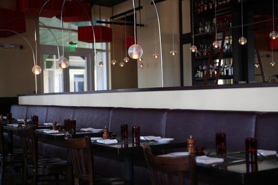 Michael's Genuine Food & Drink: Restaurant View 1