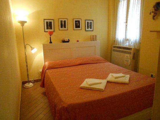 Hotel Dali: camera da letto