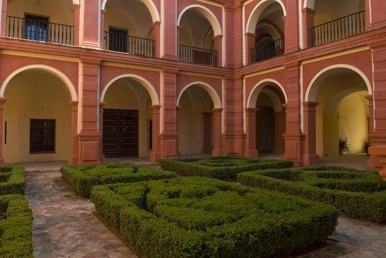 Monasterio de San Francisco: patio principal