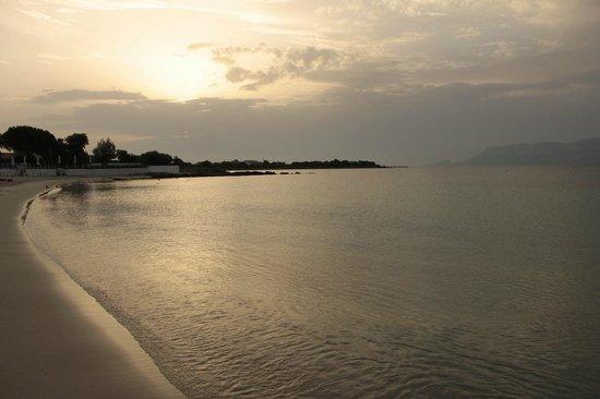 Alba dalla Spiaggia Privata dell' Hotel Mare Blue