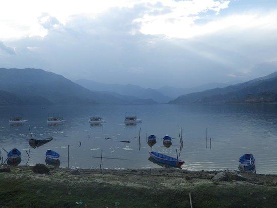 Pokhara Star Inn: Pokhara's lake