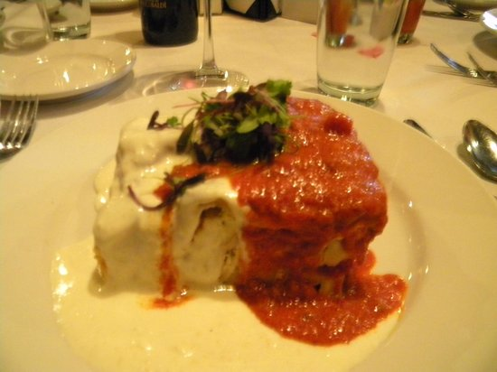 Iozzo's Garden of Italy: Lasagna with red and white sauce