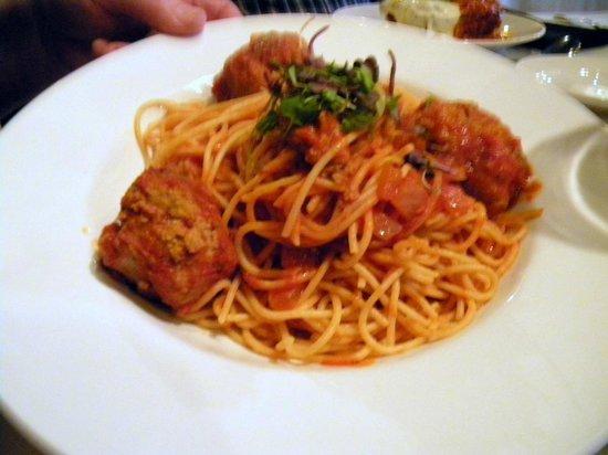 Iozzo's Garden of Italy: My husband's spaghetti and meatballs