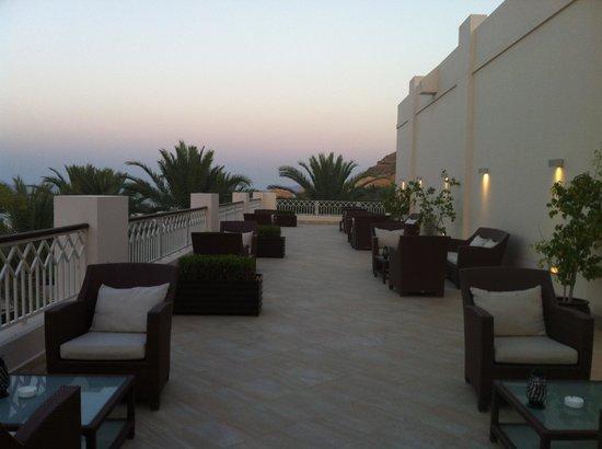 Shangri La Barr Al Jissah Resort & Spa-Al Bandar: Al Bandar Piano Lounge Terrace
