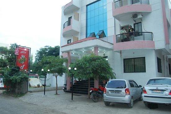 Hotel Atharva : Main Entrace 1