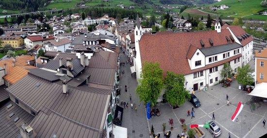 Hotel Schwarzer Adler : panorama dalla torre delle 12