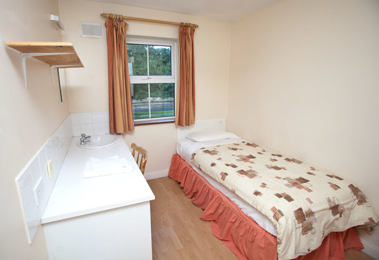 Courtbrack Accommodation: Single Room