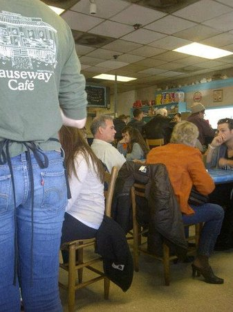 Mike & Katy's Causeway Cafe: Check out the laid back, fun atmosphere