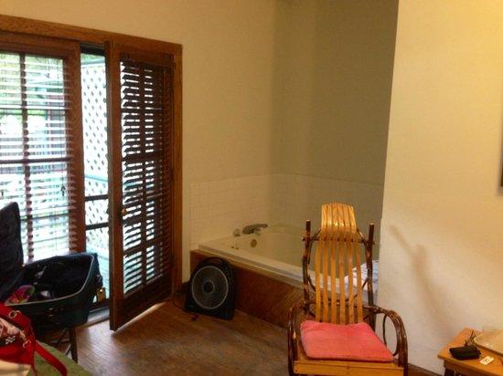 Gordon Beach Inn: 150.00 for this ? This is called a suite